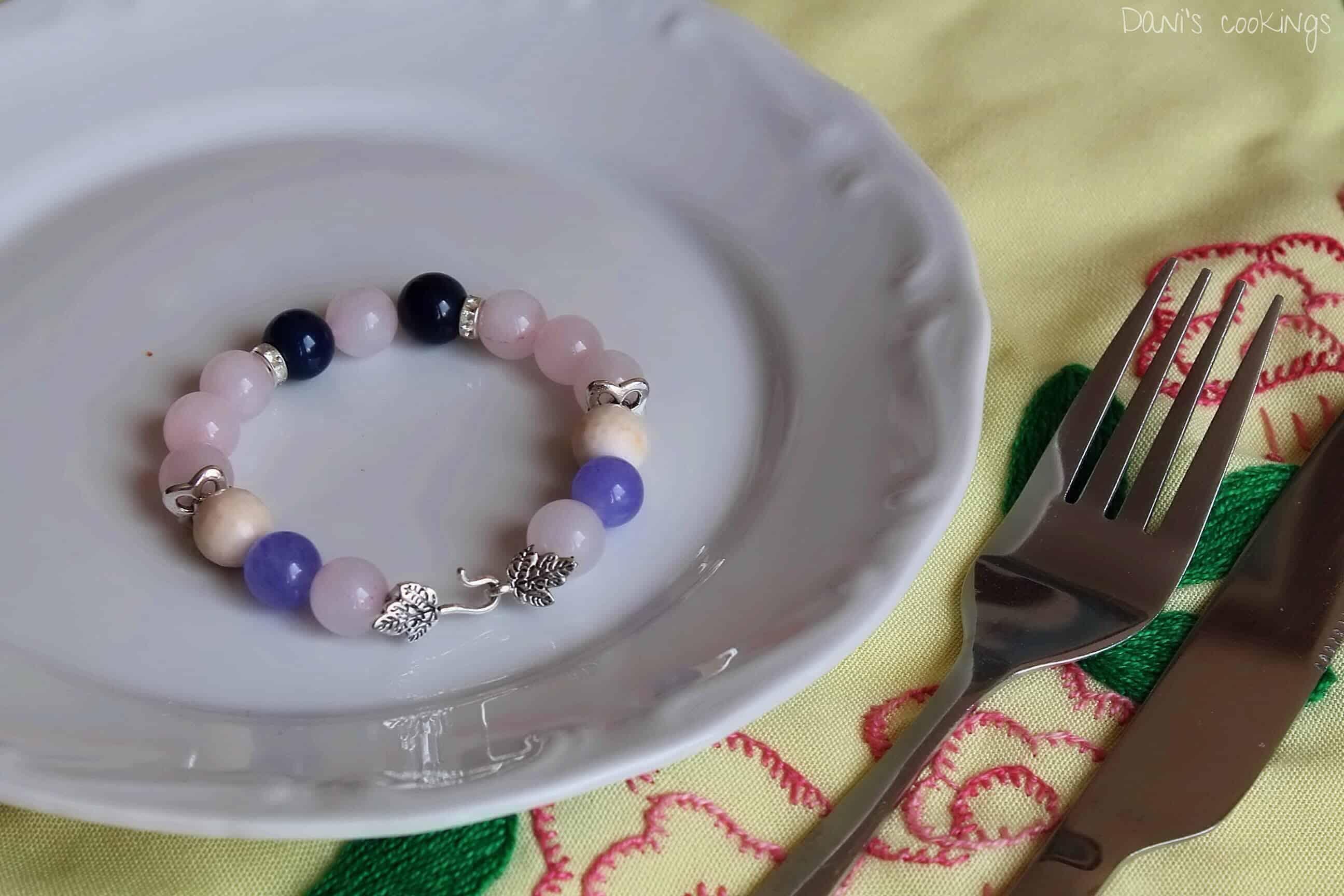 Gemstones handmade bracelet - daniscookings.wordpress.com