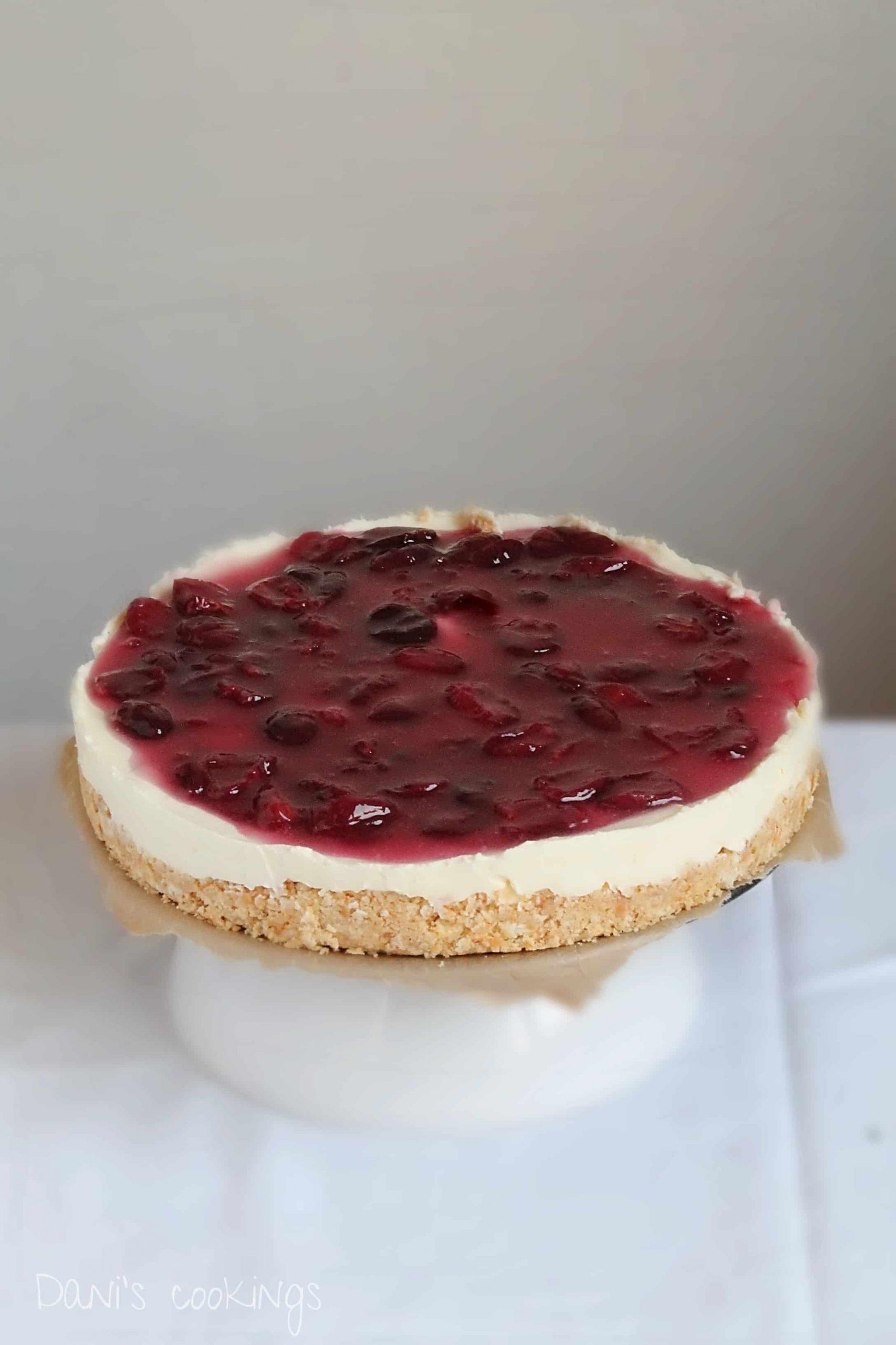 no bake cherry cheesecake - daniscookings.com