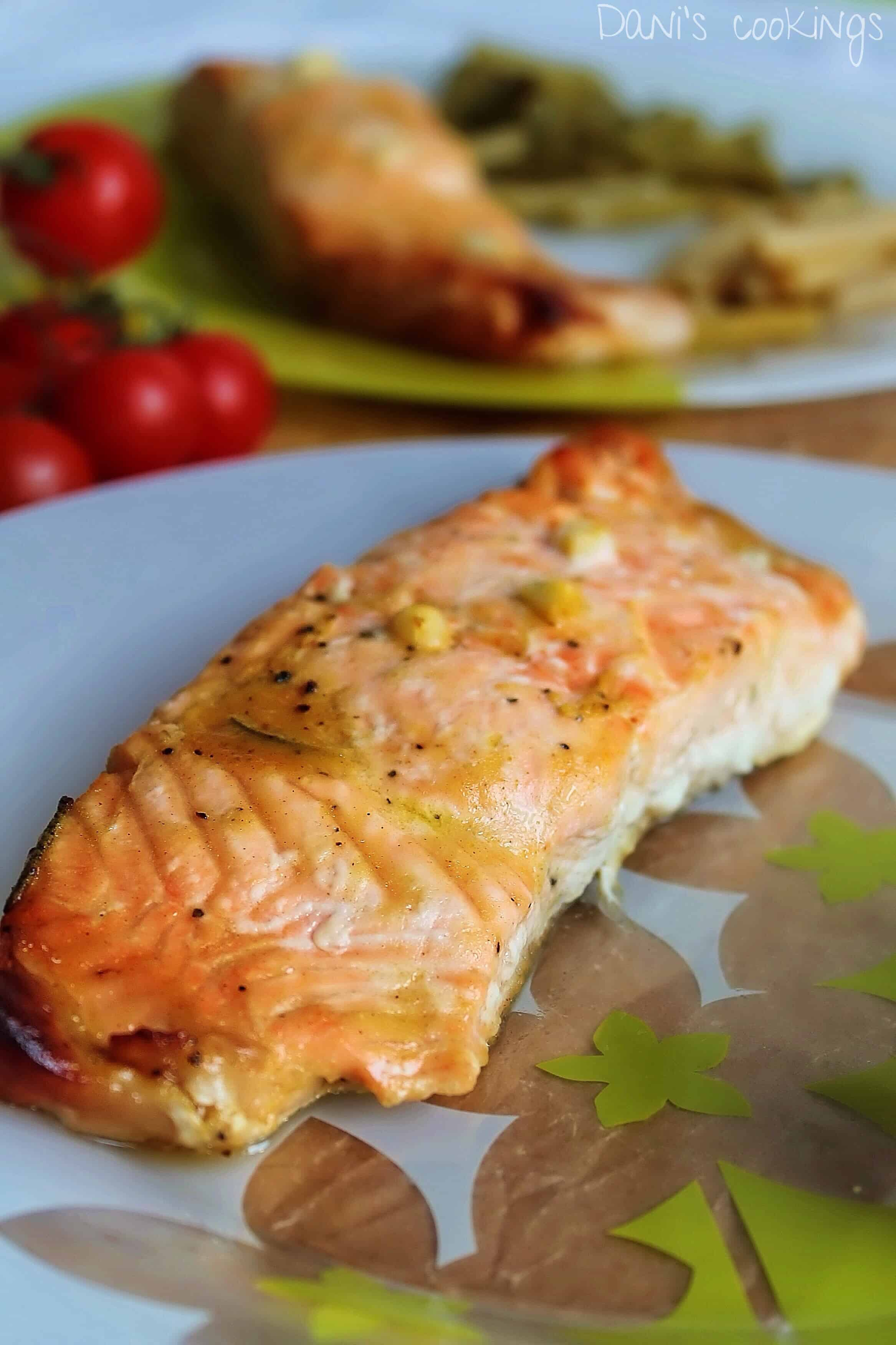 Honey Mustard salmon - daniscookings.com