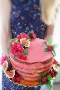 naked birthday cake - daniscookings.com