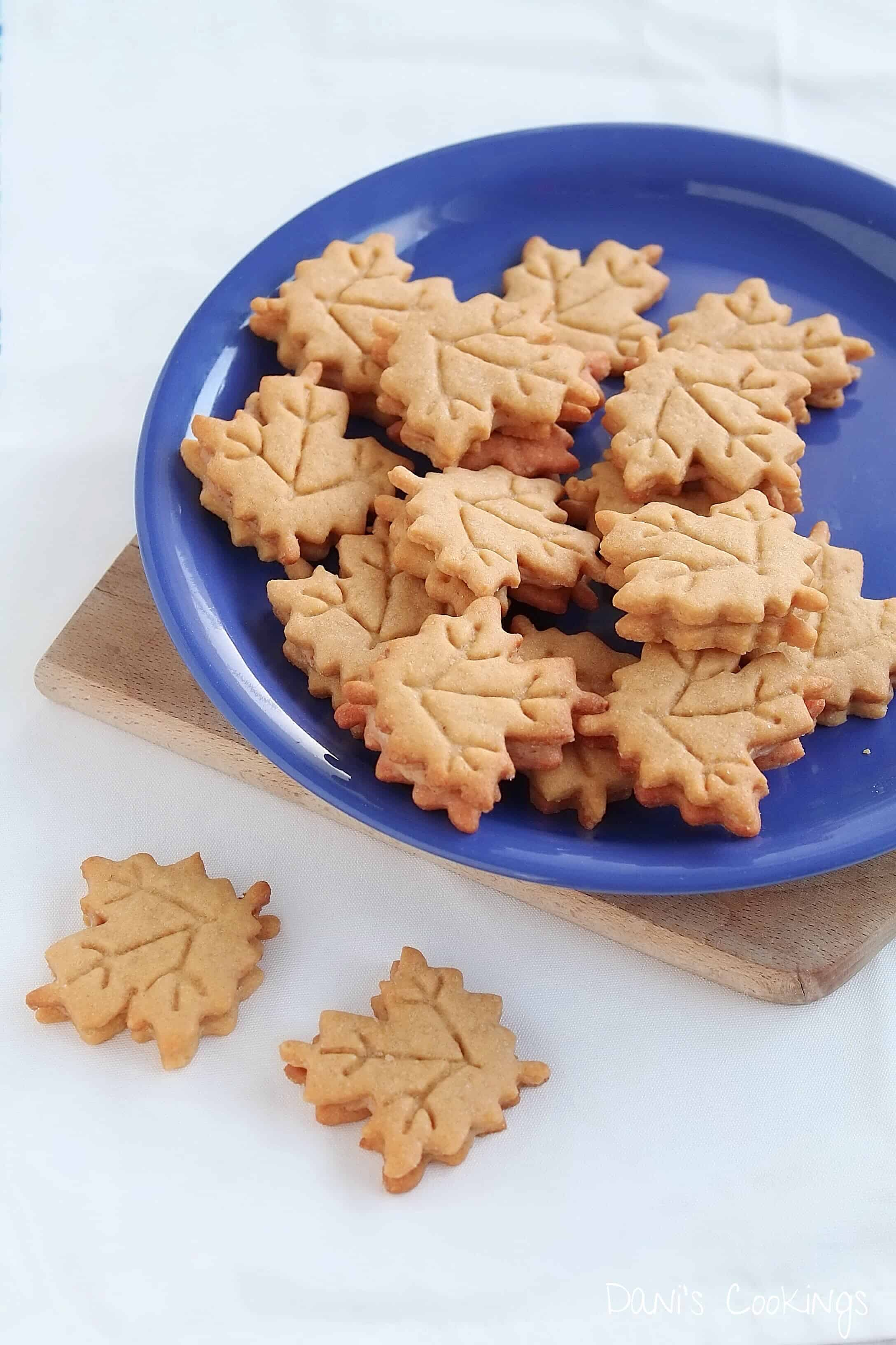 maple sandwich cookies on a plate