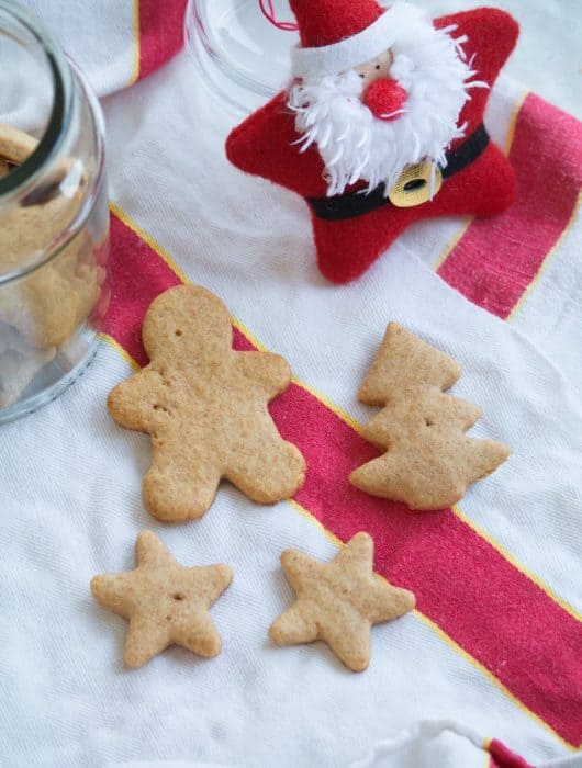 delicious and healthy sugar free spelt cookies with honey and maple syrup
