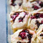 Chocolate Raspberry Cinnamon Rolls with Sour Cream Glaze | Dani's Cookings