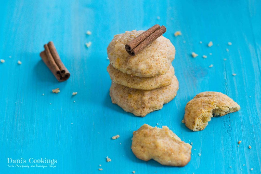 Soft Pumpkin Cream Cheese cookies with cinnamon | Dani's Cookings