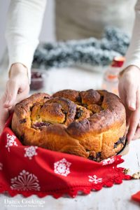 Cinnamon Christmas Bread Roll with Dried Fruits for the Food Advent Calendar | Dani's Cookings