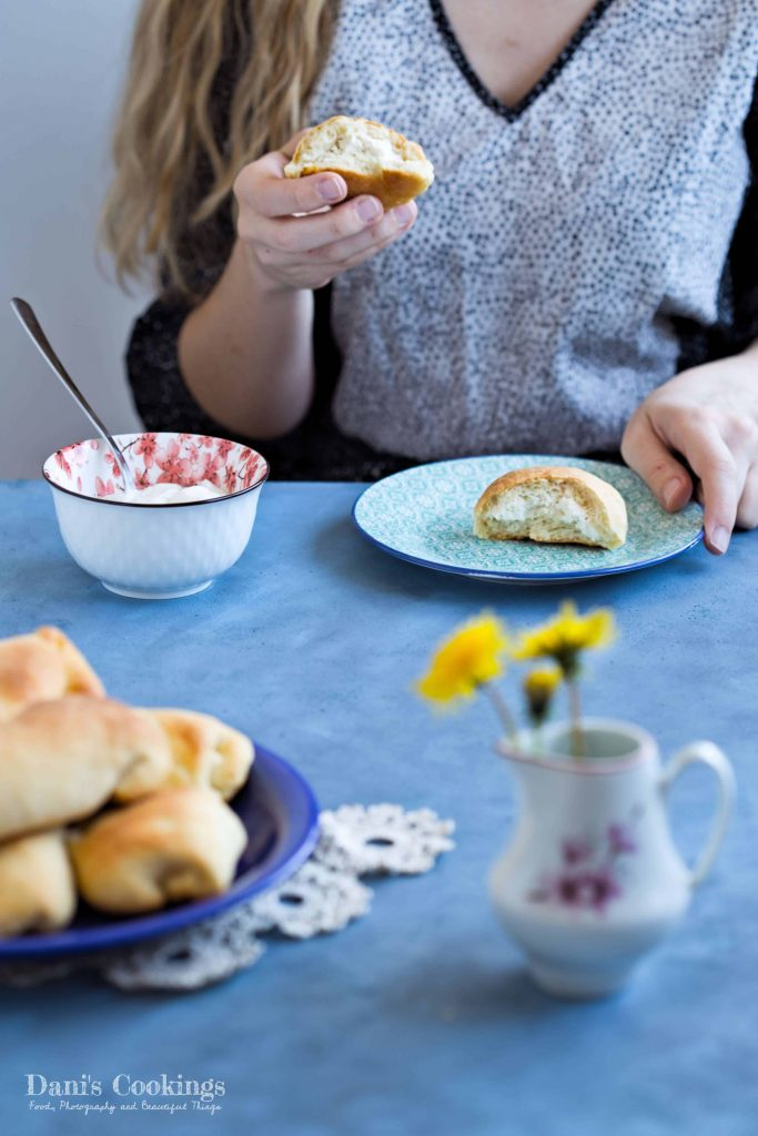 Easy Ricotta Breads with butter and milk - find the recipe at Dani's Cookings blog