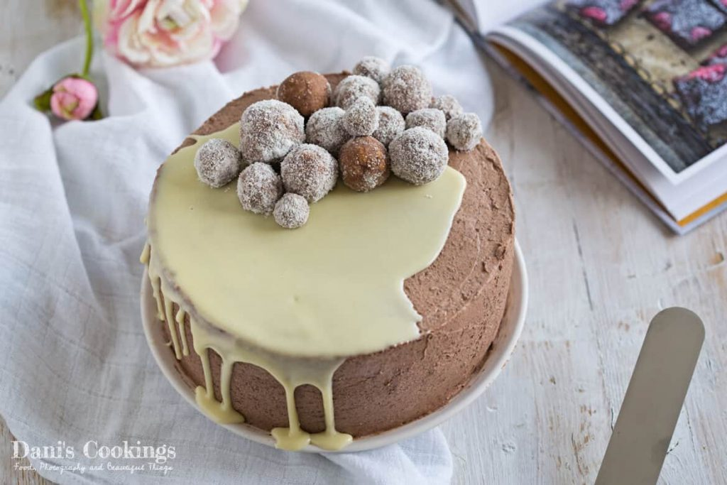 This wonderful cake is an irresistible combination of coconut, chocolate and vanilla. In fact none of these flavours is predominant but the three of them combined are creating a great tasty experience!