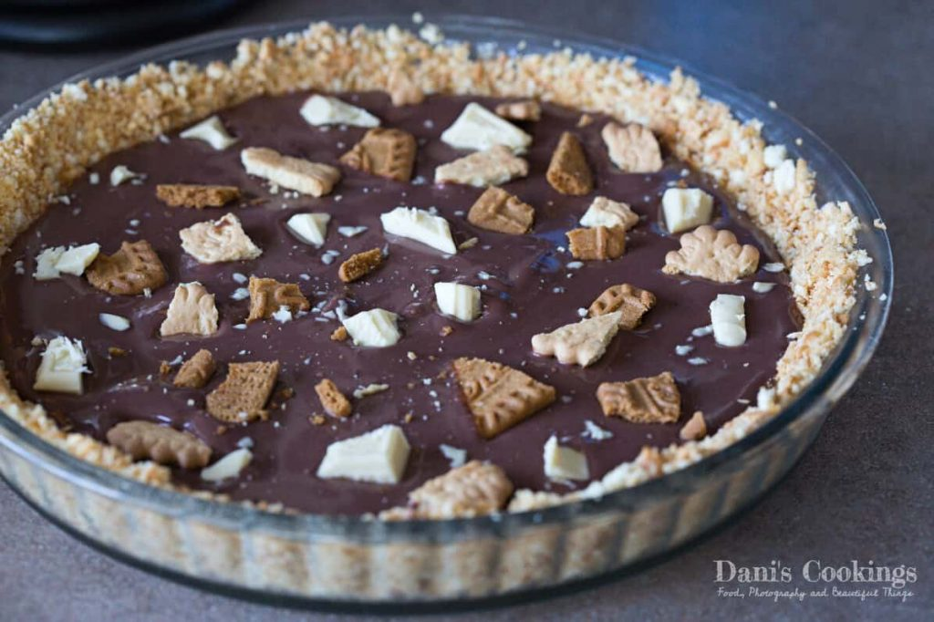 Easy No Bake Cookie Pie