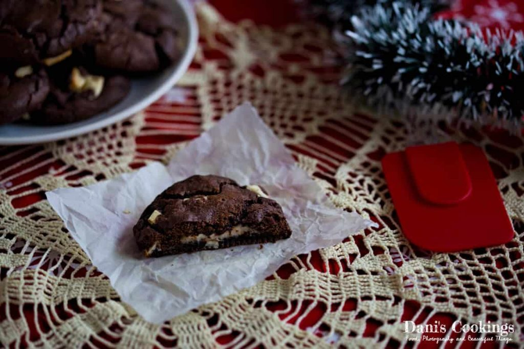 Double Chocolate Cookies with Cheesecake Filling