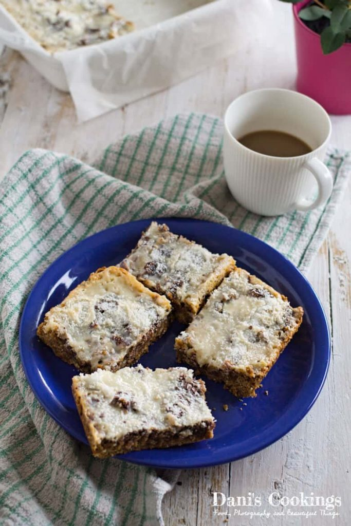 Need a quick dessert that is decadent and super delicious? Try these wonderful Easy Magic Cookie Bars with Dates which are very quick and easy!