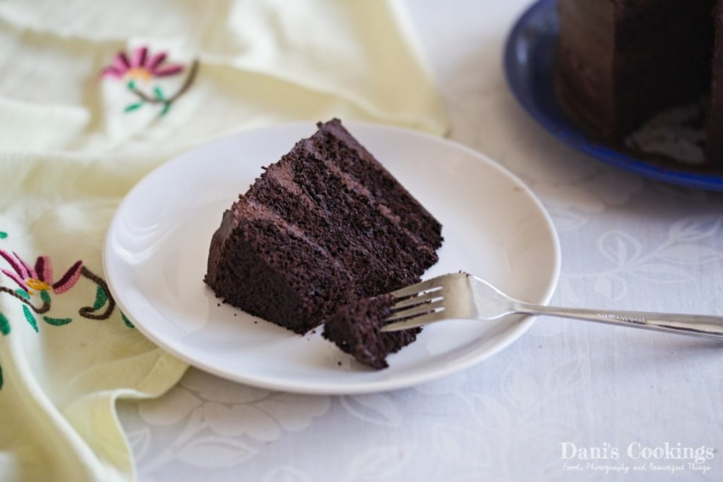 Even if you have never baked a cake before, this Easy Chocolate Cake Recipe will not challenge you. It is moist and delicious: the perfect chocolate cake!