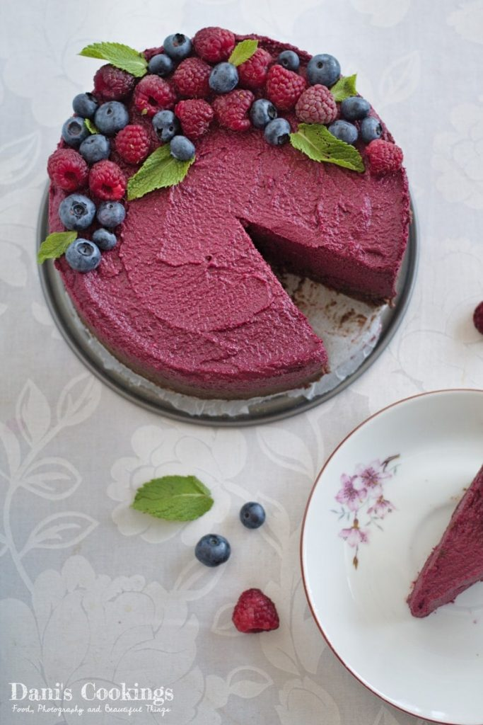 Raw Red Velvet Cheesecake