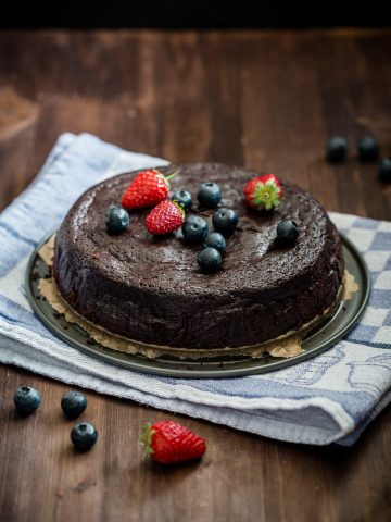 Chocolate cake served with berries