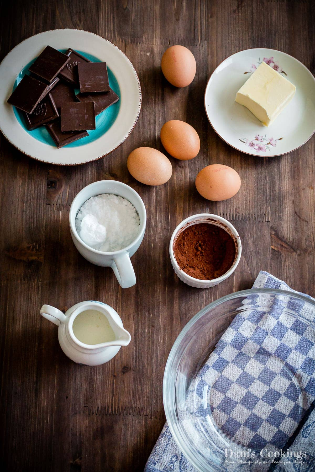 Ingredients for keto flourless cake